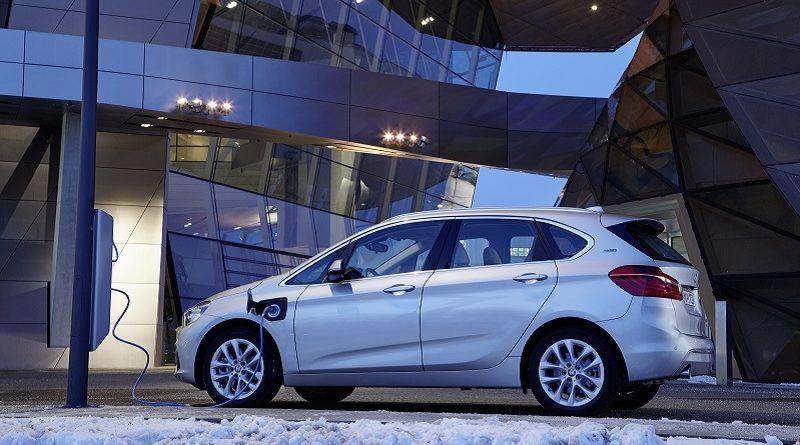 NEV EV BMW auto elettrica