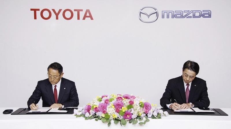 siglato accordo tra Toyota e Mazda