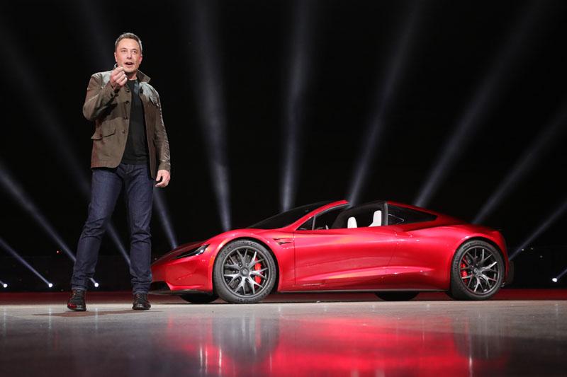 Lancio Tesla Roadster Hawthorne California
