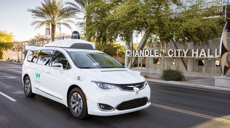Waymo accelera sui servizi di robo-taxi e terrà occupate le linee produzione di FCA