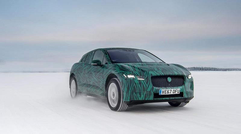 Jaguar con la I-Pace ha risposte per chi ha fretta e per chi ha freddo...