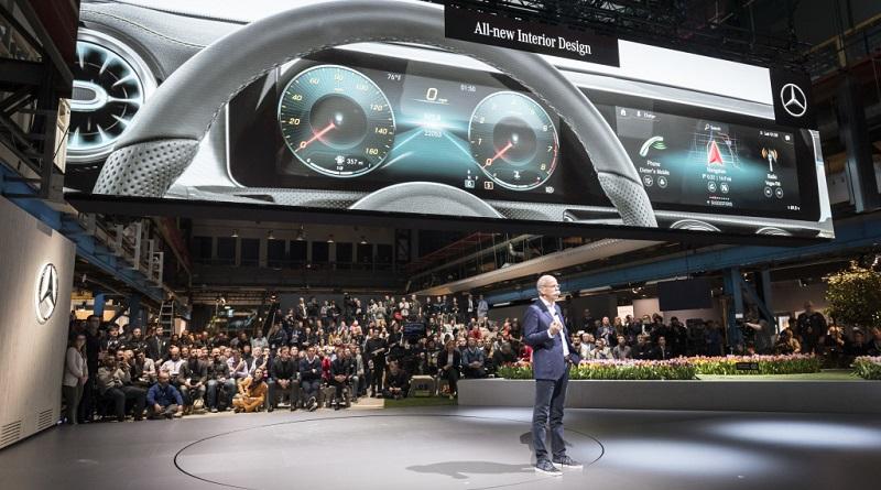 Ad Amsterdam Mercedes-Benz ha presentato il suo primo smartphone su ruote MBUX