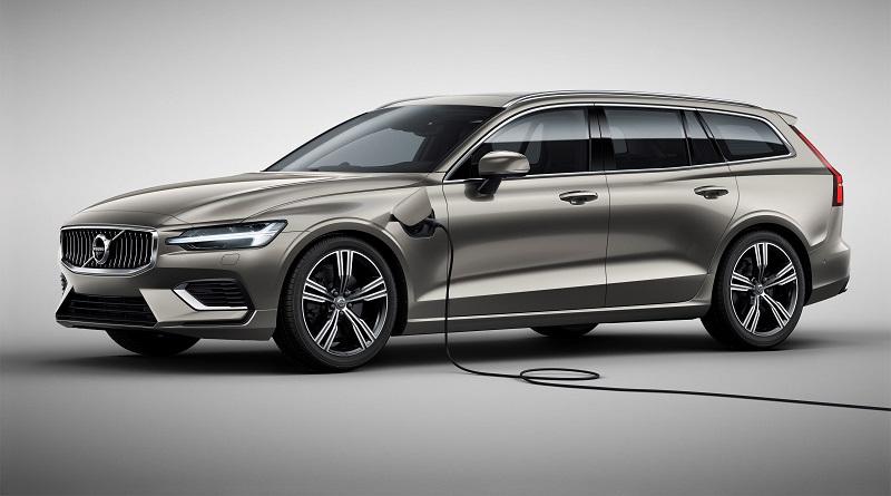 Volvo V60: rivelata la nuova generazione station wagon con la presa