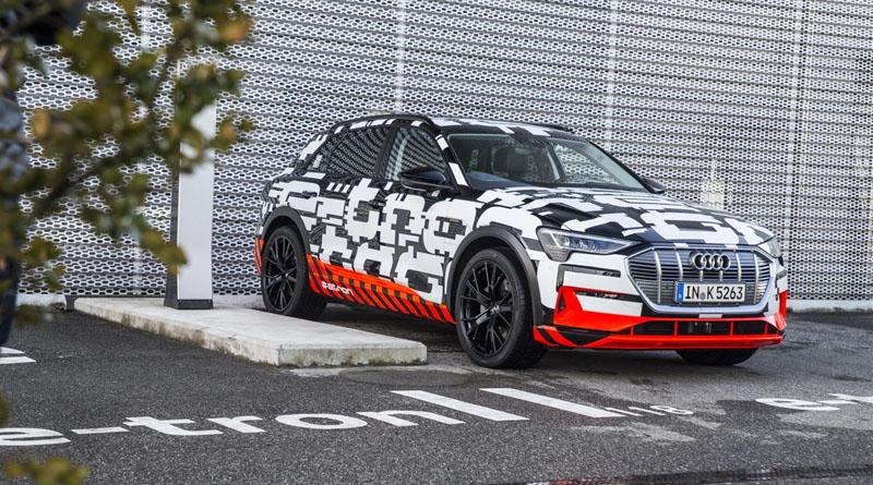 A Ginevra l'Audi e-tron prototipo si è mimetizzata in bella vista