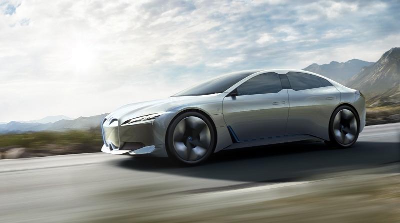 BMW gioca con le celle delle batterie per conciliare flessibilità e design