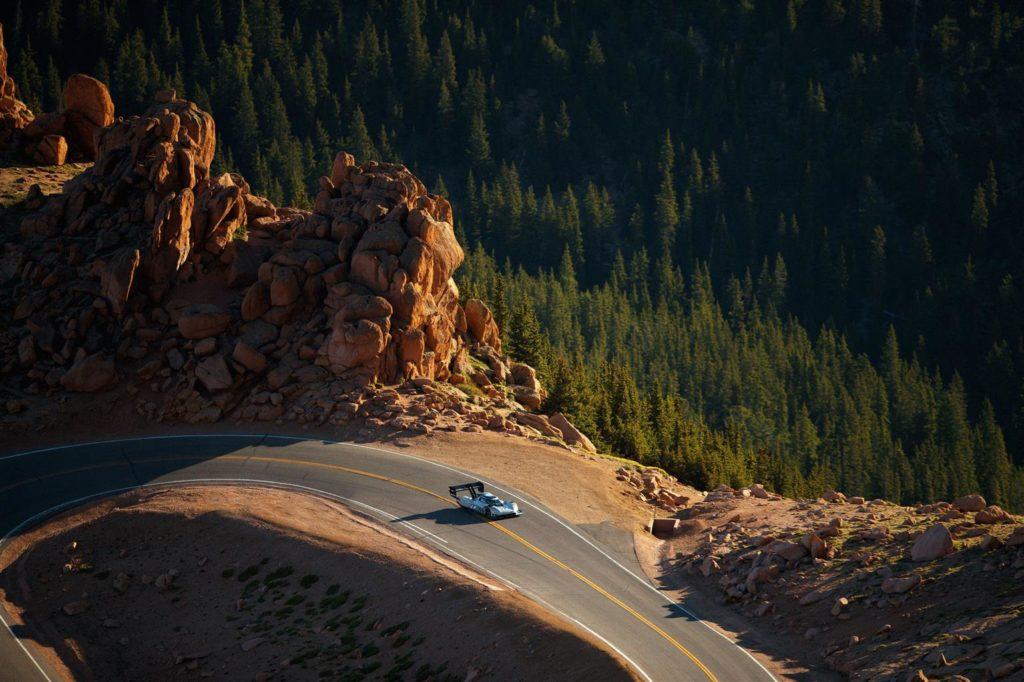 Oggi Volkswagen è riuscita davvero a fare scintille tra le nuvole del Colorado 1
