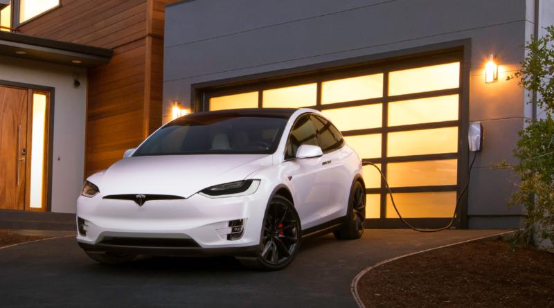 Passate le 200.000 auto elettriche prodotte: scadono gli incentivi per i clienti Tesla