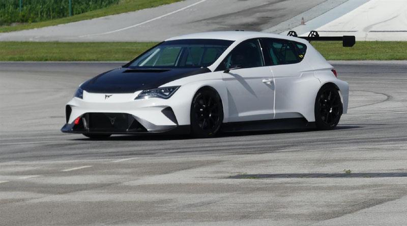 Per accelerare lo sviluppo della Cupra e-Racer un pizzico di supercar elettrica