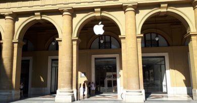 Qualcosa si sta muovendo per chi spera di acquistare quattro ruote negli store Apple
