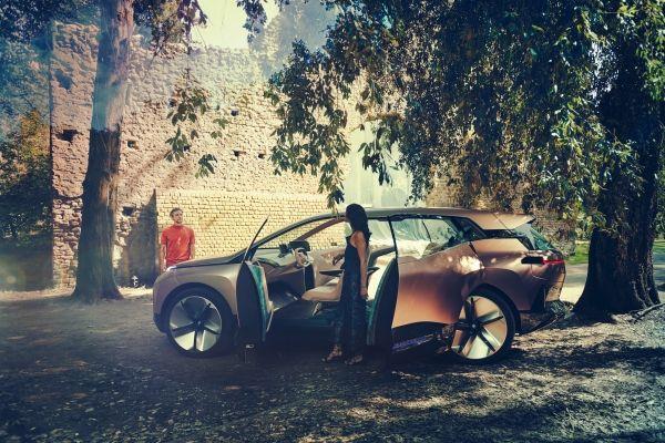 Due settimane per far volare alto i primi SUV elettrici premium tedeschi