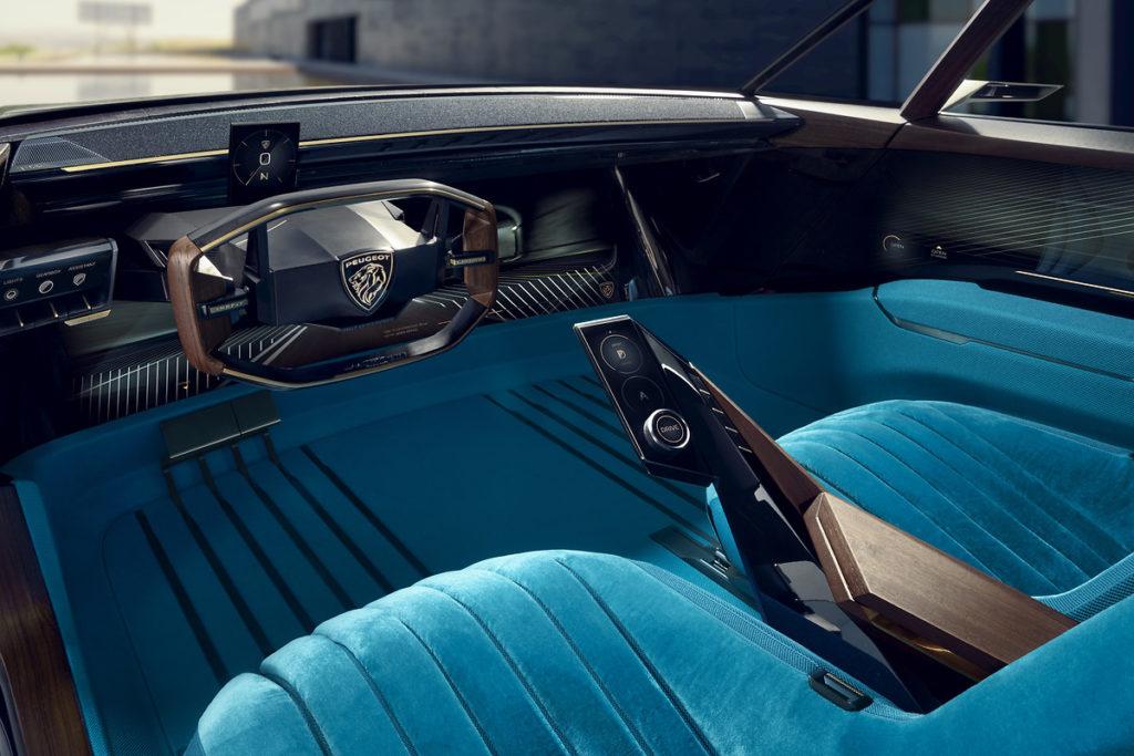 Il concept e-Legend è la lezione di stile Peugeot per il Salone di Parigi