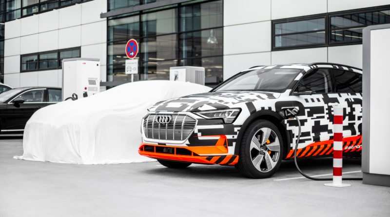 In attesa della prima del SUV elettrico Audi ecco l'antipasto e-tron Charging Service.