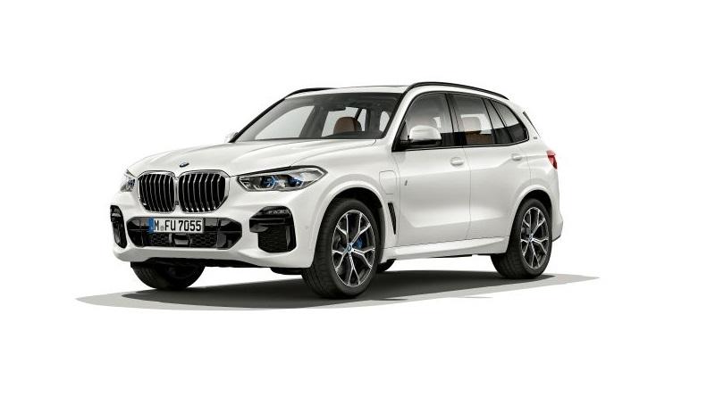 La collezione BMW cresce col SUV da 394 cavalli e 80 chilometri di autonomia