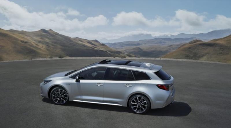 Toyota presenta la nuova Corolla Touring Sports con due opzioni powertrain ibride alla fiera di Parigi 1