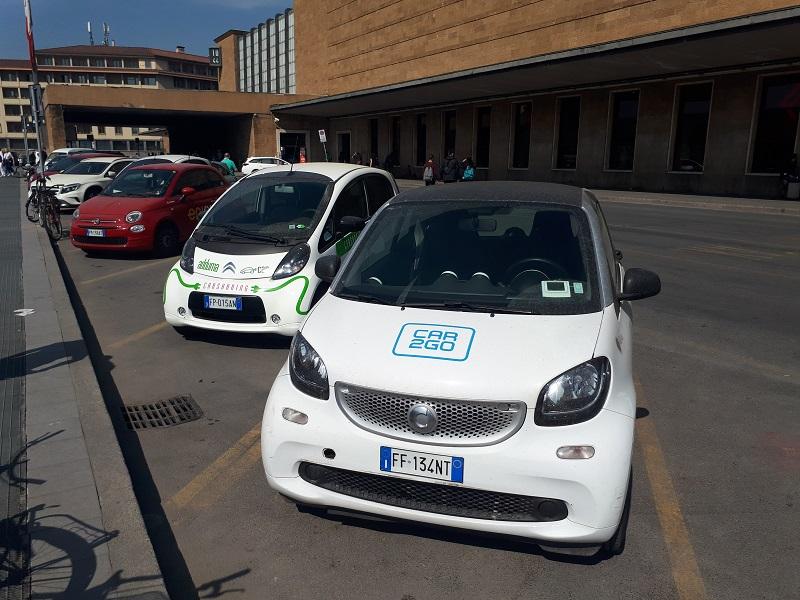 A Bologna da oggi è attivo il nuovo car sharing al 100 per cento elettrico Corrente