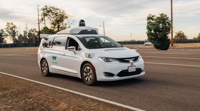 La California autorizza i veicoli di Waymo senza autisti a bordo sulle strade pubbliche