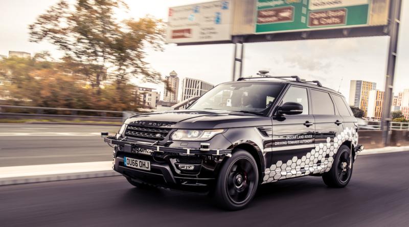 Prototipo Range Rover Sport a guida autonoma passa l'esame del traffico di Coventry