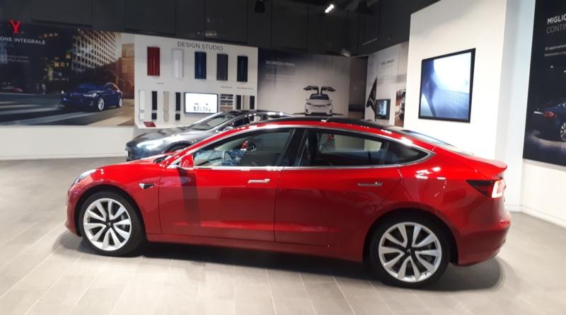 Risposta alla domanda più frequente sulla Model 3: prezzi italiani a partire da 57900 euro