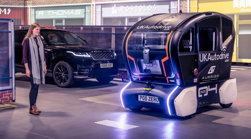 Jaguar Land Rover accende le luci per dare fiducia al pubblico verso i robotaxi