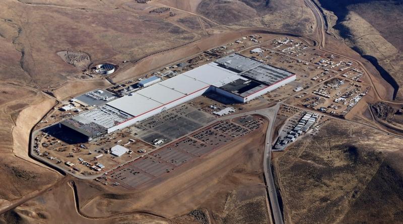 Investimenti congelati nella Gigafactory: in vista divorzio tra Panasonic e Tesla?