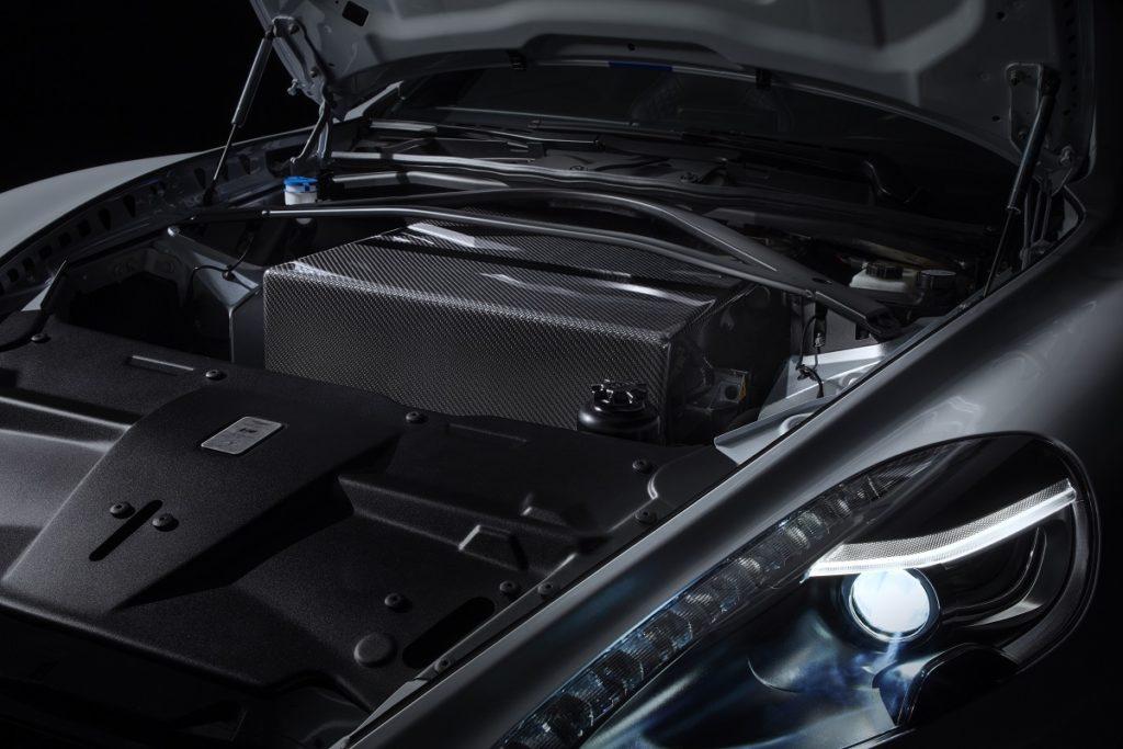 La prima Aston Martin con la presa non è più un concept: Rapide E 1