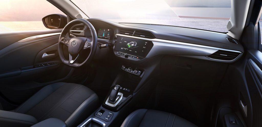 Le prime immagini della sesta generazione, sono per la versione elettrica di Opel Corsa 1