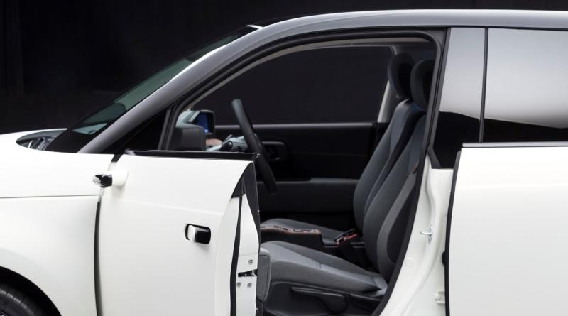 Sulla Honda e saranno montati di serie gli specchietti retrovisori digitali ultra-compatti