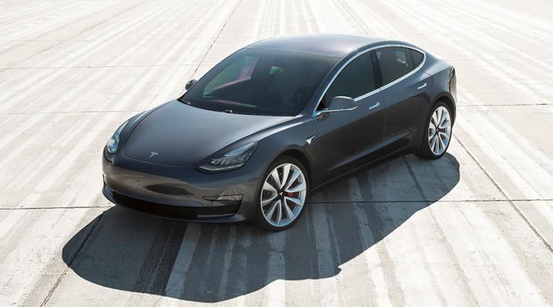 Prima i californiani: Tesla Insurance assicura le auto della clientela sul Pacifico