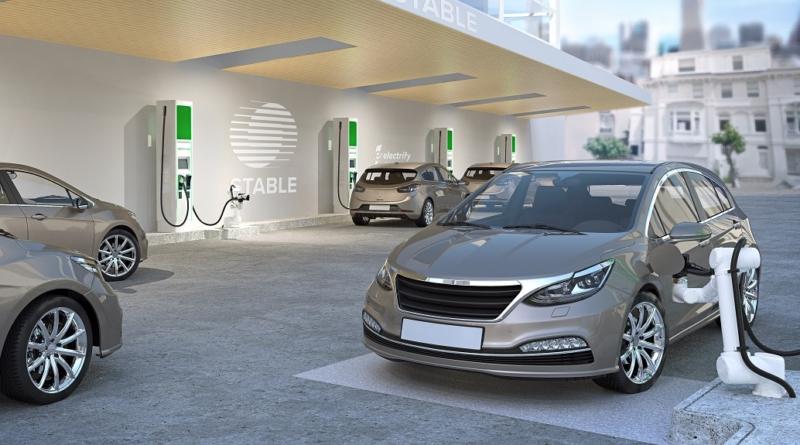 Stable Auto collabora con Electrify America per provare colonnine robotizzate