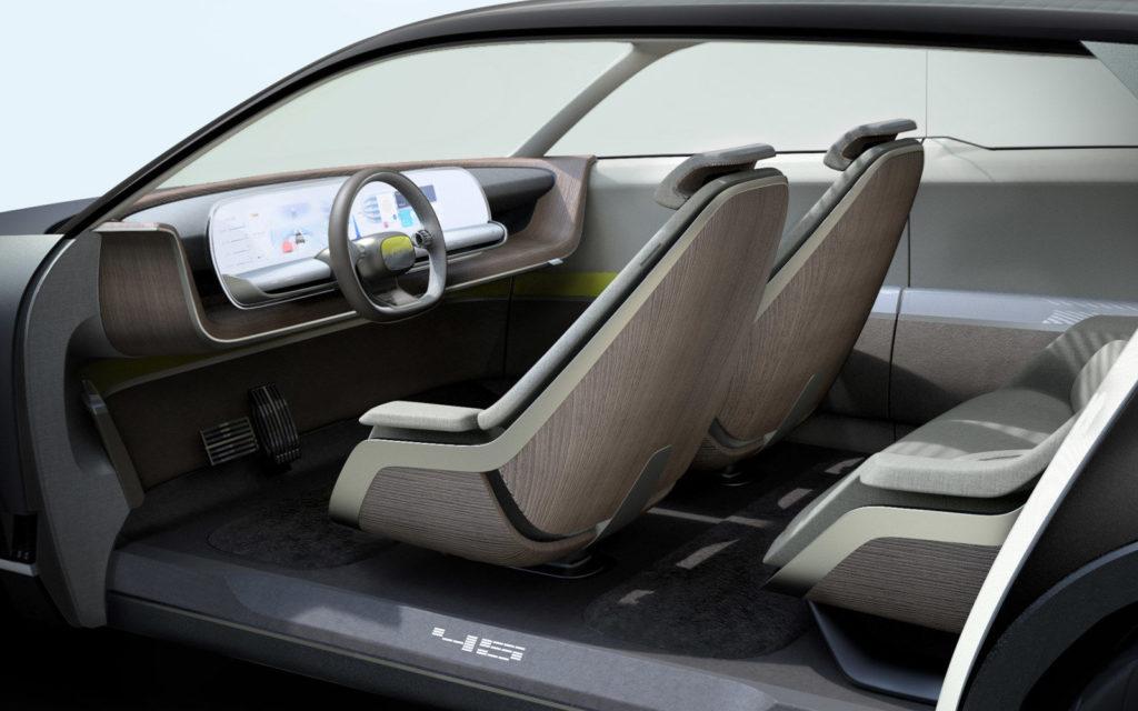 """Da Giugiaro ai LED, tutta la storia Hyundai nel """"concept 45"""" svelato a Francoforte"""