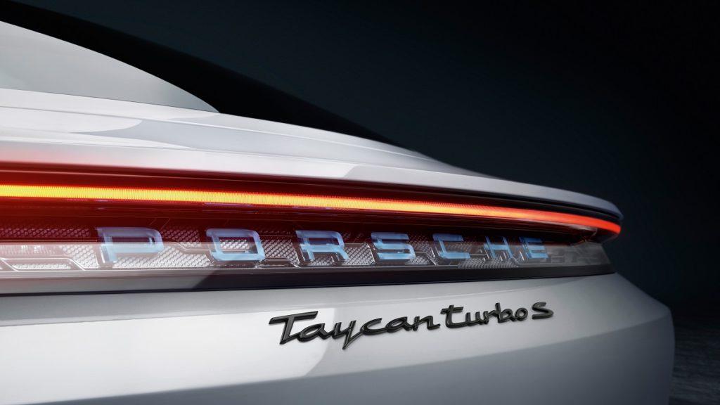 Da oggi Porsche Taycan Turbo S mette il sale sulla coda alle Tesla più spinte