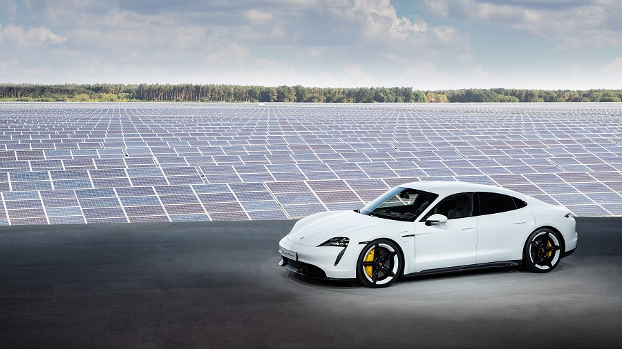 Da oggi Porsche Taycan Turbo S mette il sale sulla coda alle Tesla più spinte 1