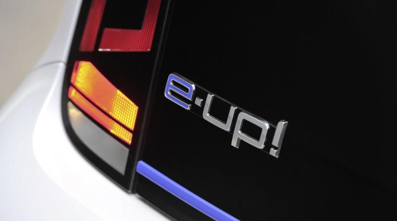 Rimette in moto Volkswagen e-Up e sorprende coi prezzi (almeno in Germania)