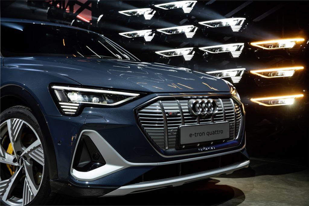 Presentata al Salone di Los Angeles l'Audi E-tron Sportback: SUV sportivo da 446 km di autonomia 1