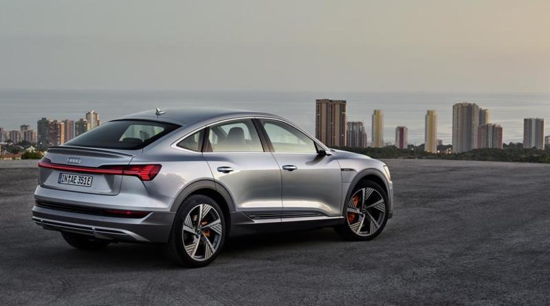 Presentata al Salone di Los Angeles l'Audi E-tron Sportback: SUV sportivo da 446 km di autonomia