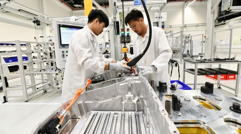 Tra protezionismo e tariffe soffre l'auto globalizzata ma non esalta l'elettrico