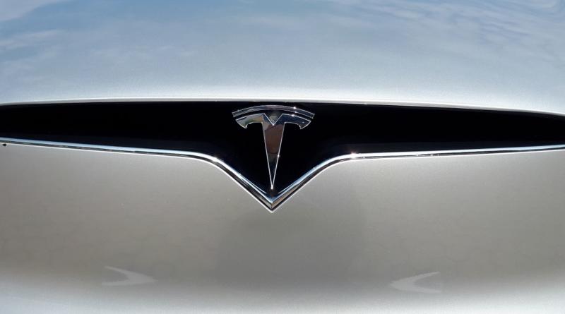 Finanziamenti pubblici tedeschi su un piatto d'argento per Tesla? Potrebbe succedere presto