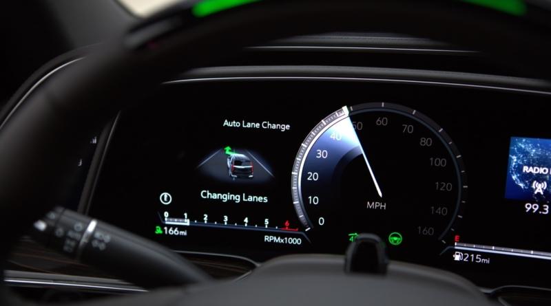 GM migliora il suo Super Cruise col cambio automatico di corsia