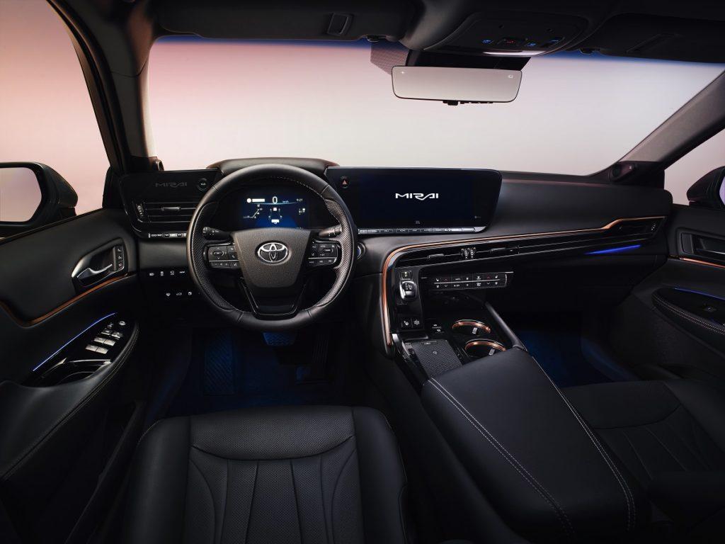 """La Toyota Mirai 2020 non tradisce l'apprezzato """"concept"""" visto al Salone di Tokyo"""