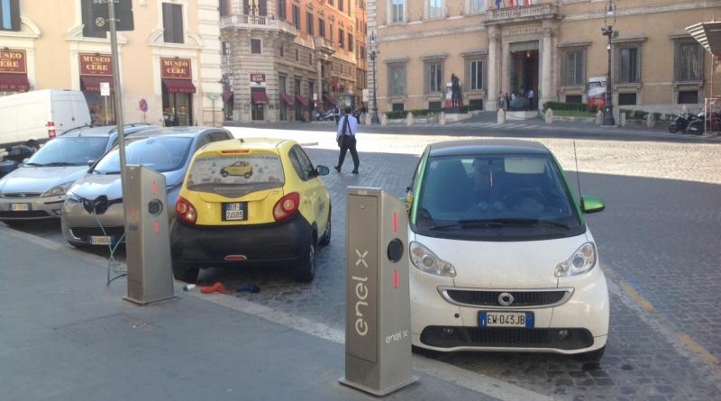 Dal 1 marzo l'auto elettrica pagherà il parcheggio, terminata la ricarica