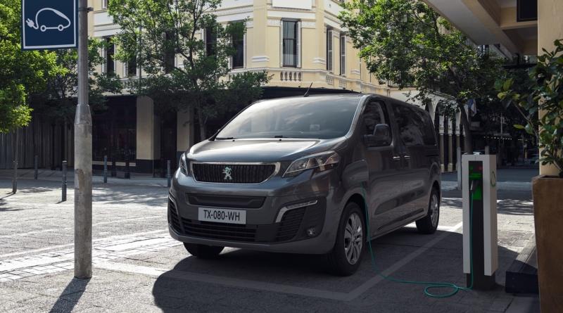 E-Traveller: il monovolume Peugeot che strizza l'occhio a privati e professionisti
