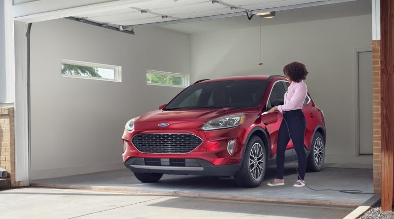 In America il Ford Escape Plug-in Hybrid tocca la soglia di 100 MPGe