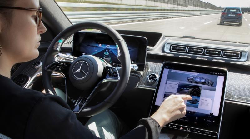 Sull'ammiraglia Mercedes operativo il sistema di guida di Livello 3 SAE