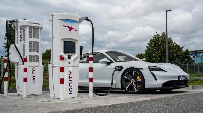 Rassegna 4 – 10 ottobre : le notizie della settimana su auto elettriche, innovazione