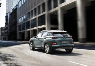 Cinque stelle verdi a Hyundai Kona e Renault Zoe
