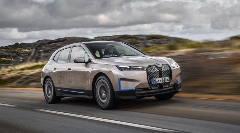 IX, nuova ammiraglia tecnologica BMW