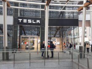 Il ritardo di Tesla Semi e Roadster viaggia sullo stesso binario 2