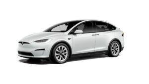 Il SUV elettrico Tesla si muove per allontanare la concorrenza