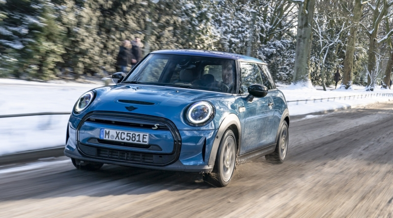 Mini arricchisce la gamma con l'Electric Collection