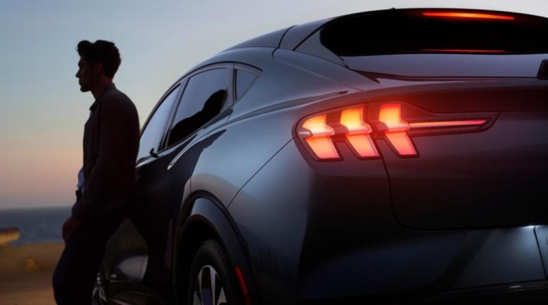 Bug zittisce la batteria 12V delle prime Mustang elettriche